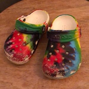 Toddler tie dye crocs